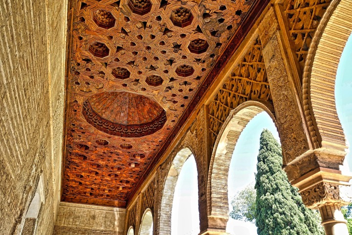 15 places you must visit in spain fall for spain for Alhambra decoration